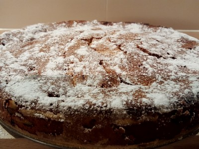 Špaldový koláč s jablky a ořechy